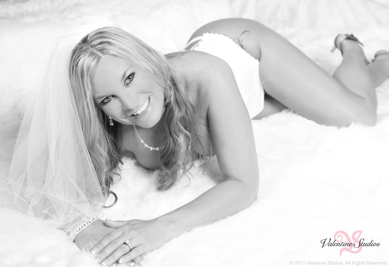 wedding-boudoir-photography-beautiful-blonde-004